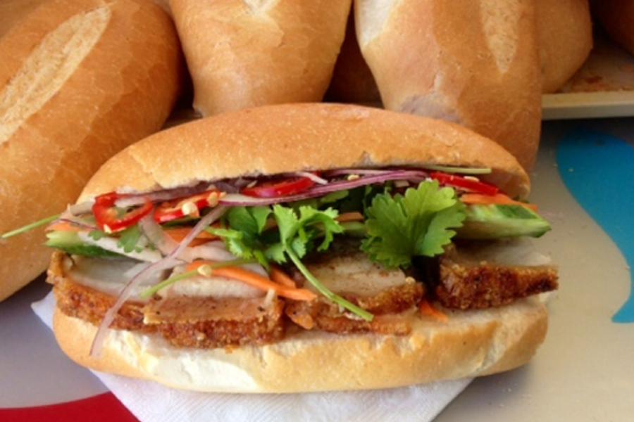 Banh Mi Vietnamese Roll